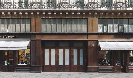 Vitrine magasin Eric Bompard - rue Scribe - Paris
