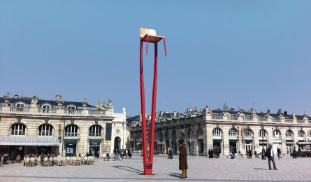 Prouvé chair – Place Stanislas – Nancy